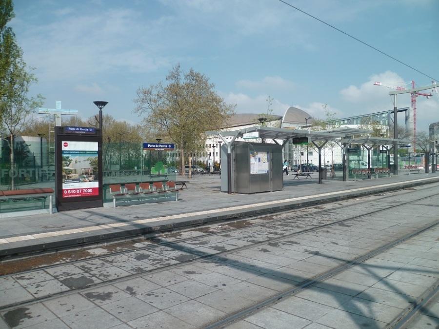 Mobilier typique de la ligne t3 la station porte de pantin t3b 28 04 2013 tramway de - Station service porte de pantin ...