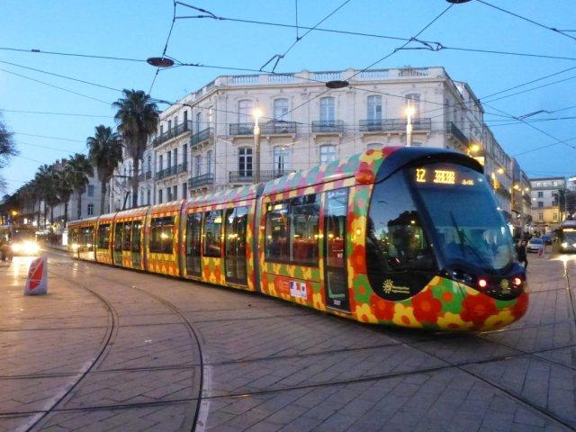 La rame 2097 Citadis 402 Alstom est photographiée place Auguste-Gibert à Montpellier, le lundi 16 février 2015. Copyright : Louis Ferdinand