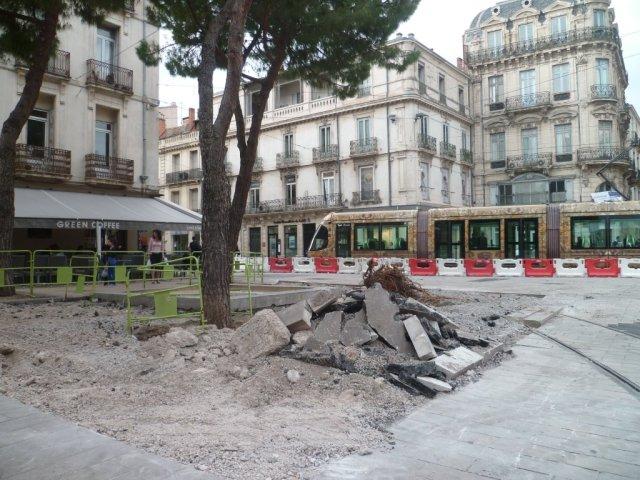 A Montpellier, la place Edouard-Adam de nouveau en chantier, bouclage de la ligne 4 de tramway oblige. Photo prise le mercredi 29 avril 2015. Copyright : Edouard Paris