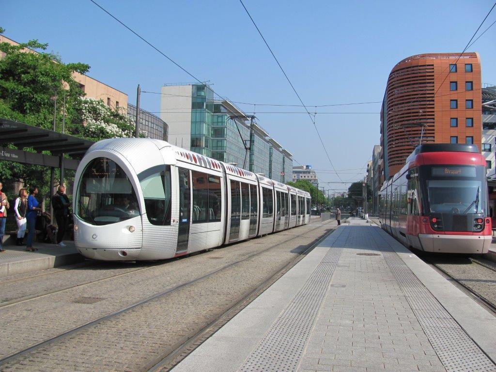 17 mai 2015 carnet de voyage lyon tramway de montpellier for Carnet de voyage restaurant lyon