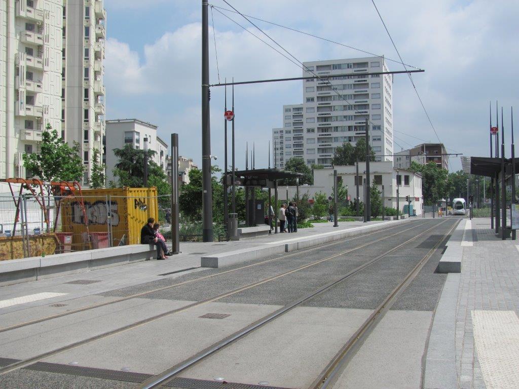 17 mai 2015 carnet de voyage lyon tramway de montpellier for Le divan 05 mai 2015