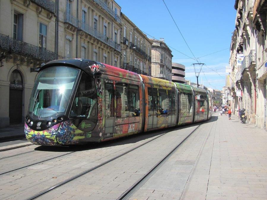 9 Rue De La Republique 34000 Montpellier - 32 …