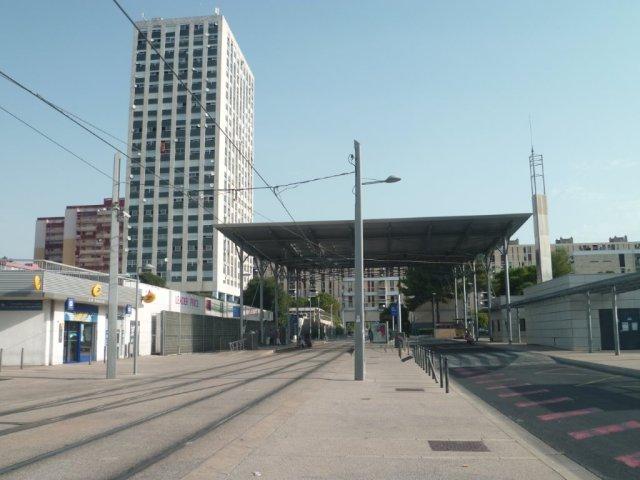 """A Montpellier, station """"Stade de la Mosson"""" de la ligne 1 photographiée à moins de douze heures du coup d'envoi de la rencontre de Ligue 1 de football devant opposer le MHSC au SCO d'Angers, le samedi 8 août 2015 à 21h00. Copyright : Edouard Paris"""