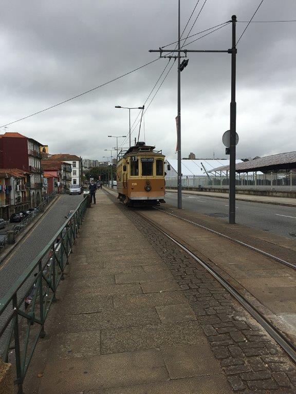 19 septembre 2015 tramways historiques de porto et lisbonne tramway de montpellier. Black Bedroom Furniture Sets. Home Design Ideas