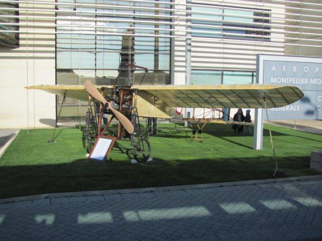 Réplique à l'échelle 1 du Blériot XI aux couleurs de 1914 exposé à l'aéroport de Montpellier Méditerranée, le samedi 16 janvier 2016. Copyright : Edouard Paris