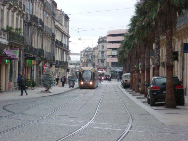 Si le calendrier est respecté, les rames Citadis 302 Alstom remonteront et descendront l'intégralité du boulevard du Jeu-de-Paume à Montpellier à compter du lundi 4 juillet 2016, date de l'entrée en service commercial de la ligne 4 de tramway totalement bouclée. Photo prise le jeudi 31 décembre 2015. Copyright : Edouard Paris