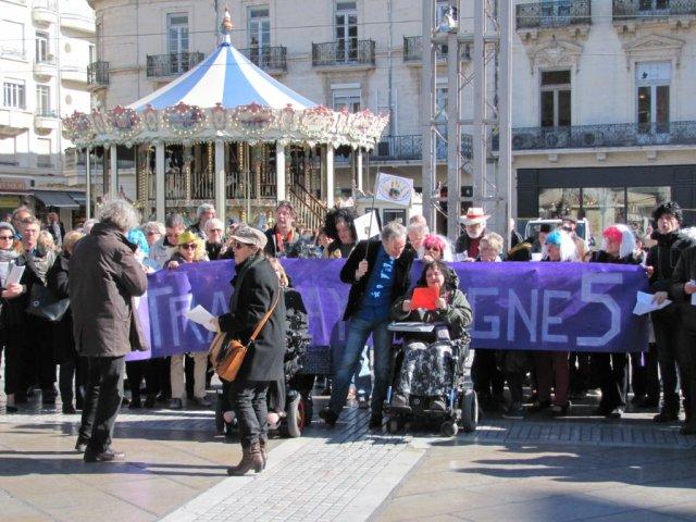 Le ColL5ctif ligne 5 rassemblé place de la Comédie à Montpellier, le samedi 5 mars 2016. Copyright : Edouard Paris