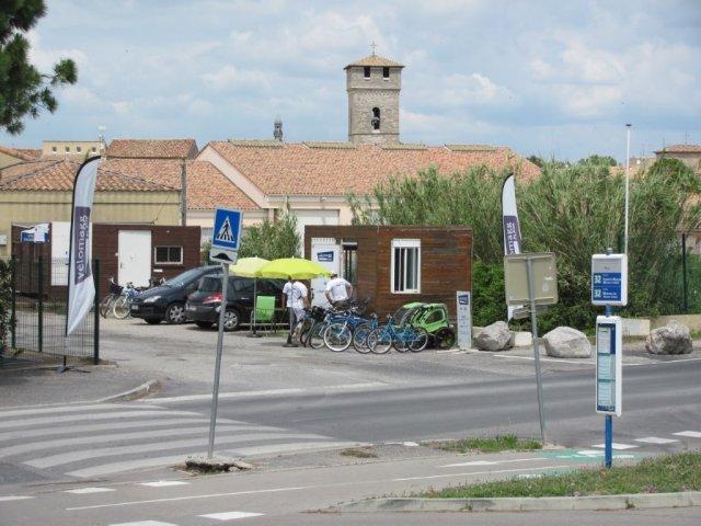 """Arrêt """"Pilou"""" de la ligne 32 TaM Montpellier 3M et station """"Vélomagg plage"""" à Villeneuve-les-Maguelone, photographiés le samedi 4 juin 2016. Copyright : Edouard Paris"""