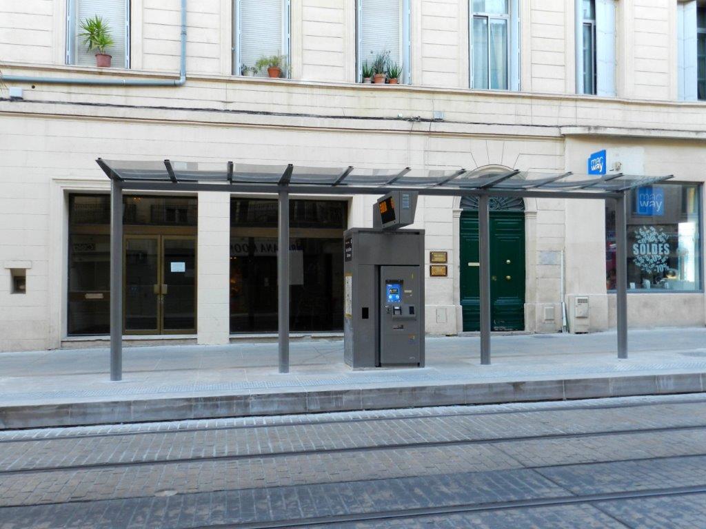 L abri du quai 4b de la station saint guilhem courreau photographi le jeudi 7 juillet 2016 - Magasin ouvert dimanche 7 mai ...