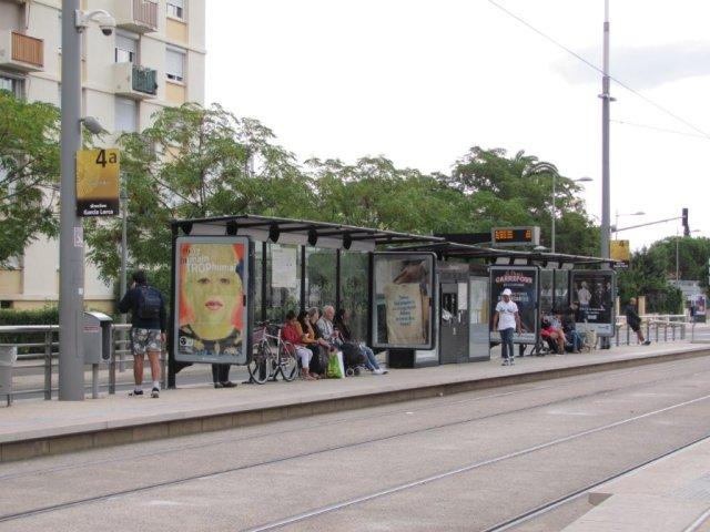 """Sur la ligne 4 de tramway bouclée, la fréquentation de la station """"Restanque"""", avenue des Prés-d'Arènes à Montpellier, est tirée par le magasin Lidl de la rue de l'Industrie. Photo prise le samedi 17 septembre 2016 à 10h19. Copyright : Edouard Paris"""
