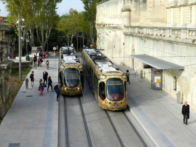 """Photographie de la station """"Peyrou - Arc de Triomphe"""" de la ligne 4 de tramway, prise le lundi 10 octobre 2016. Copyright : Anje34"""