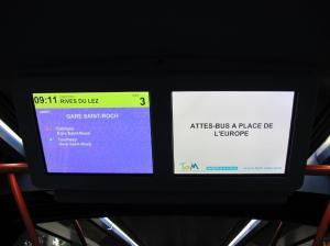 Sur l'écran de droite, à bord de la rame 2079 Citadis 402 Alstom, un message écrit à la hâte, le dimanche 16 octobre 2016. Copyright : Edouard Paris
