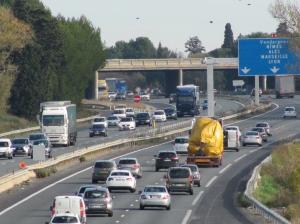 A compter du mois de juin 2017, l'essentiel du trafic des poids lourds entre Vendargues et Saint-Jean-de-Védas de l'actuelle autoroute A9 (photo) se reportera  sur la nouvelle section d'autoroute A9 à péage entre Baillargues et Saint-Jean-de-Védas. Photo prise le samedi 26 novembre 2016. Copyright : Edouard Paris