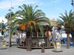 Le carrousel de la place de France à Montpellier, photographié le samedi 26 novembre 2016. Copyright : Edouard Paris