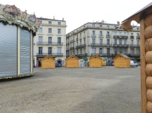 Place Alexandre-Laissac à Montpellier, morne plaine, le vendredi 25 novembre 2016. Copyright : Anje34