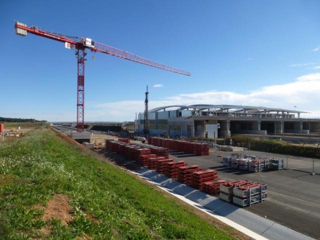 Sur le futur tronçon de l'autoroute A9, il faut s'attendre à de nombreux ralentissements de curiosité à la hauteur de la future gare fantôme TGV Montpellier Sud de France à compter du mois de juin 2017. Photo prise le dimanche 6 novembre 2016. Copyright : Michel Bozzola