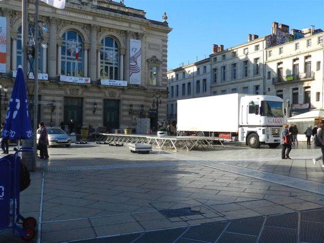 En vue du défilé des Miss du samedi 3 décembre 2016, un catwalk a été installé au pied de l'Opéra-Comédie à Montpellier. Photo prise le mercredi 30 novembre 2016. Copyright : Anje34