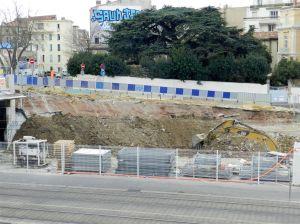 """Aperçu du chantier """"Hôtel St-Roch - Belaroia"""" depuis une terrasse de la gare Saint-Roch de Montpellier, le vendredi 24 février 2017. Copyright : Anje34"""