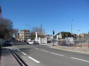 Depuis le mardi 21 février 2017, à la sortie de la ZAC Saint-Roch, les automobilistes peuvent désormais tourner à droite ou à gauche sur le boulevard Vieussens à Montpellier. Photo prise le samedi 25 février 2017. Copyright : Edouard Paris