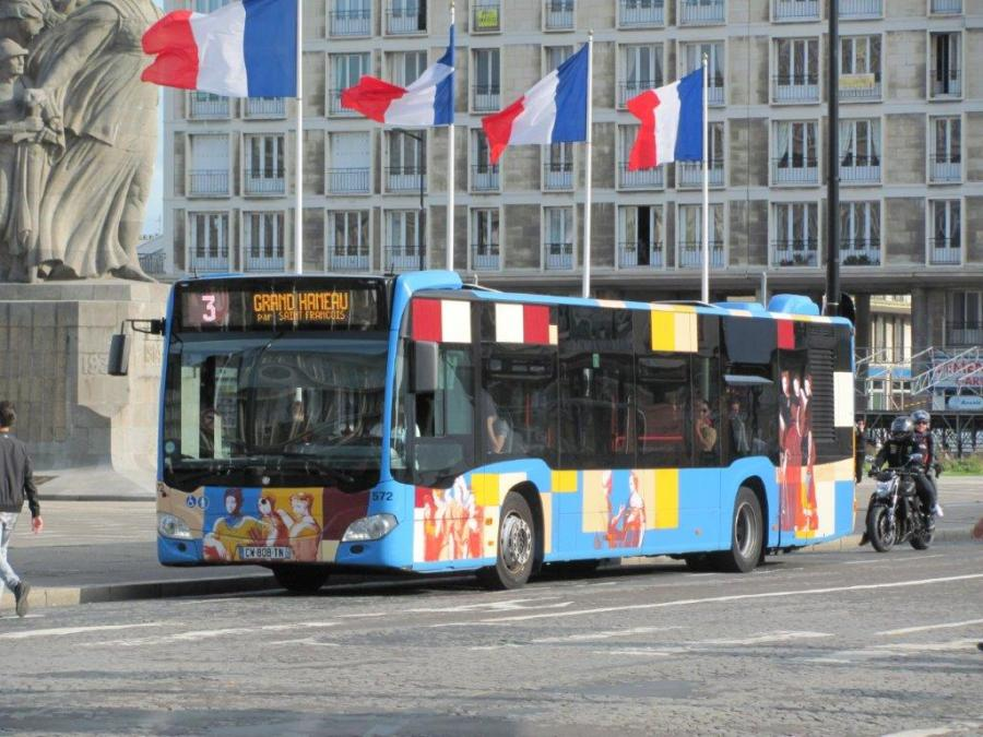 au havre le bus 572 citaro mercedes la d coration originale est photographi rue de paris. Black Bedroom Furniture Sets. Home Design Ideas