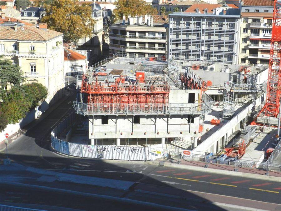 vue sur le chantier h tel st roch belaroia le samedi. Black Bedroom Furniture Sets. Home Design Ideas