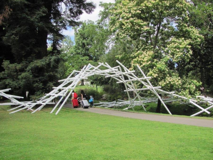 Le voyage à Nantes peut commencer au Jardin des Plantes par ...